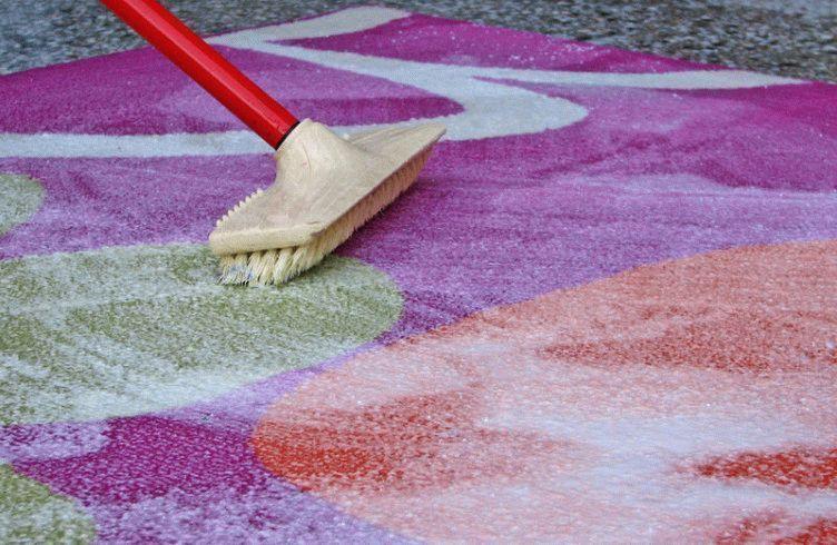 С чем постирать ковры в домашних условиях