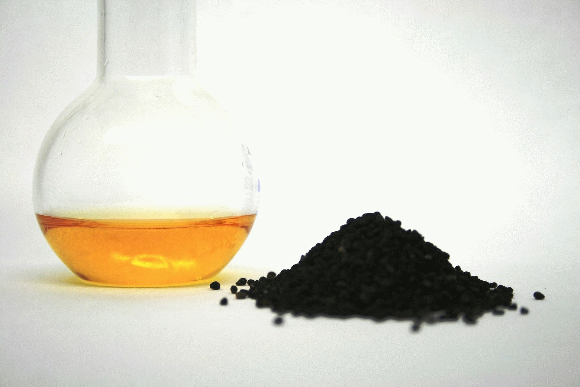 black-cumin-oil