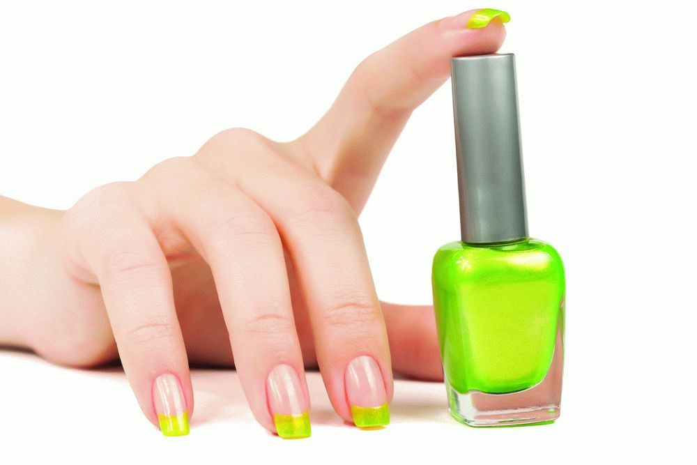 GL_1214_GreenNailPolish