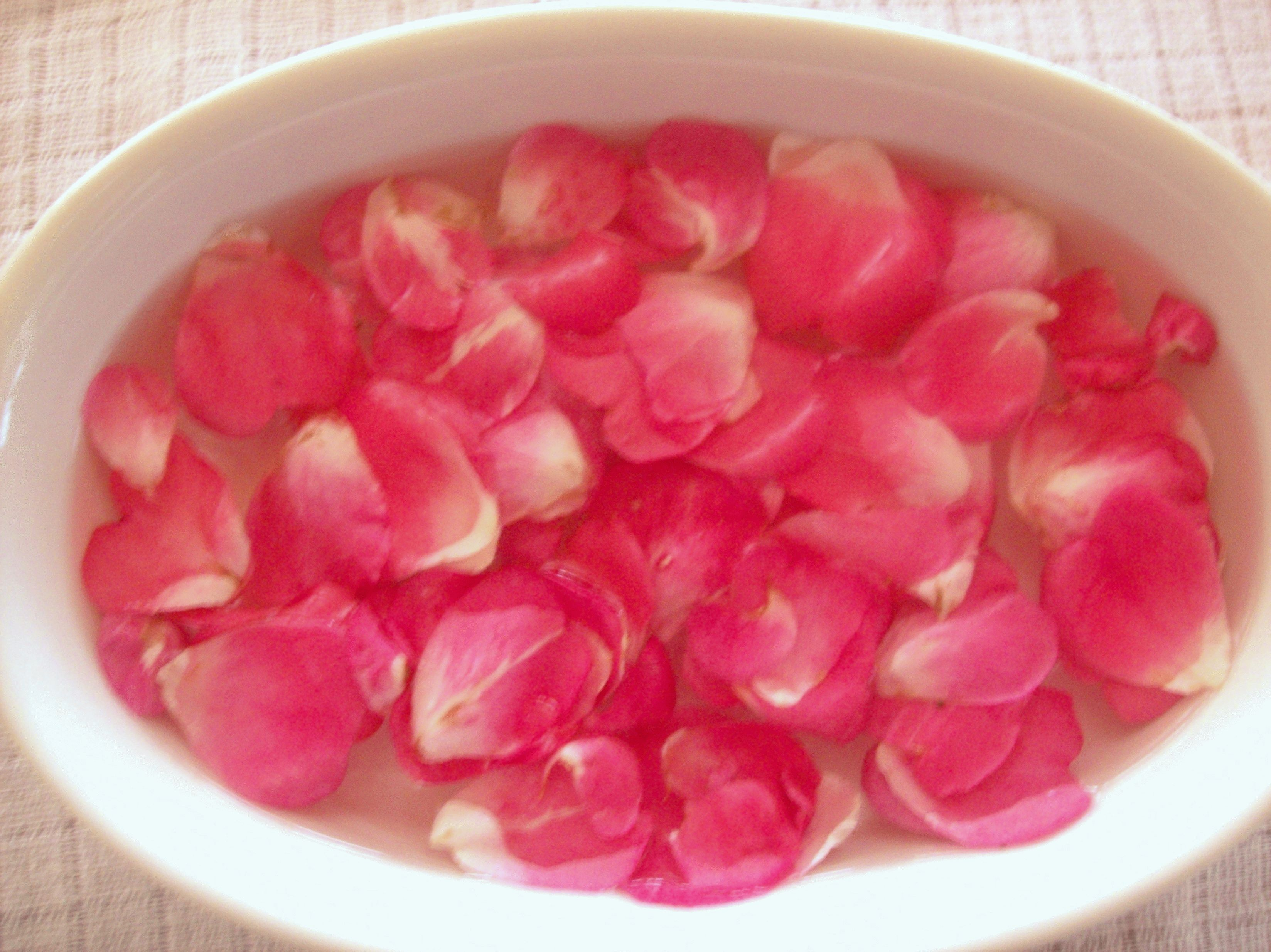 Картинки по запросу розовая вода