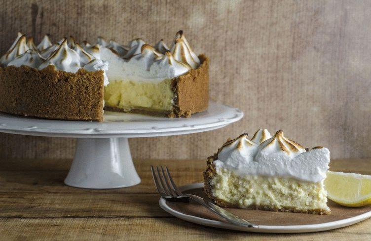Lemon-Curd-Meringue-Cheesecake